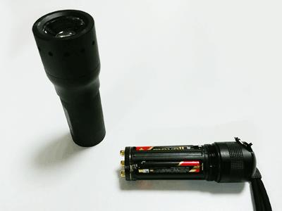 レッドレンザーP7電池入れ