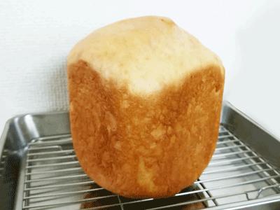膨らんだ大豆粉パン